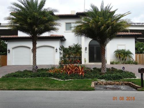 Villa Elutra