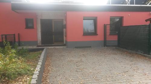 the 10 best apartments in kelsterbach, germany | booking.com - Garagen Apartment Gastezimmer Bilder