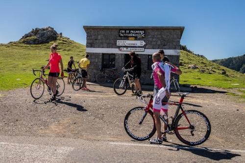 Vélo sur le terrain de l'établissement Pyrenees Haven ou dans les environs