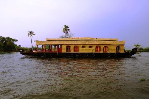 Nova Holidays Houseboat