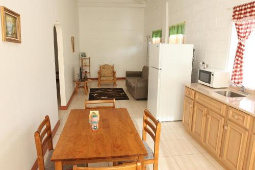 Date Palms Apartments