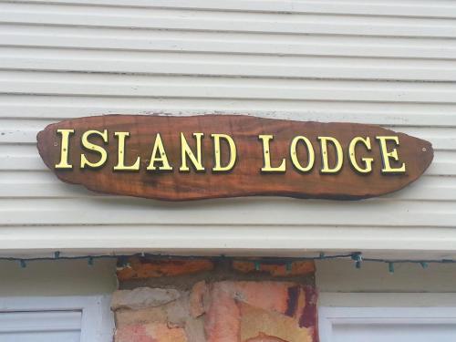 Island Lodge Holiday Accommodation