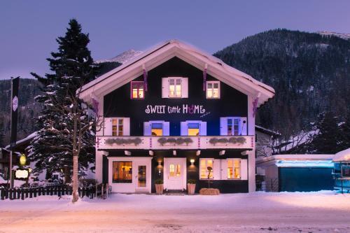 Raffl's Sweet Little Home