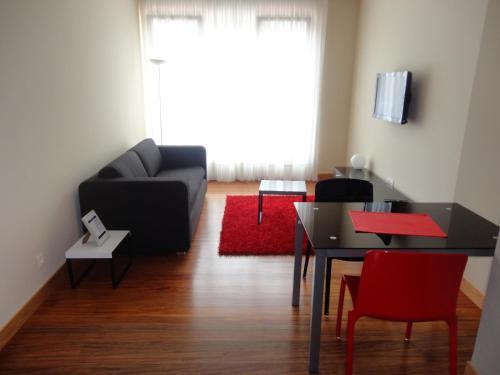 A seating area at Getxo Apartamentos
