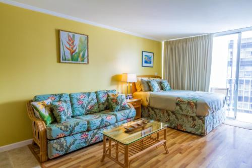 Tropical Studios in Heart of Waikiki