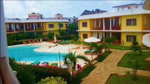 A view of the pool at Samawati 2bedroomed Condo Malindi or nearby