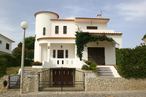Villa Nascimento by Garvetur