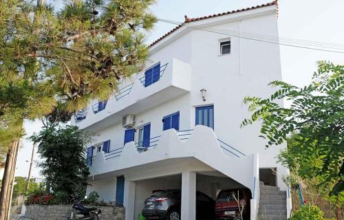 Haris Apartments - Armenistis Greece