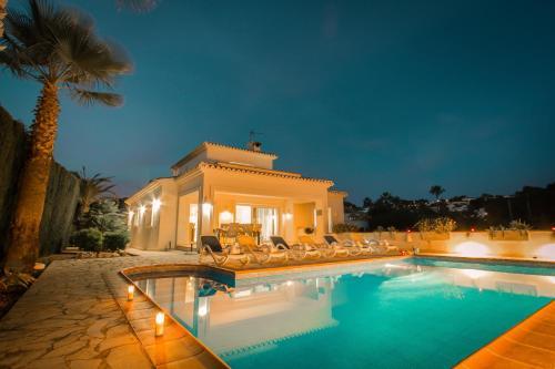 Abahana Villa Baladrar