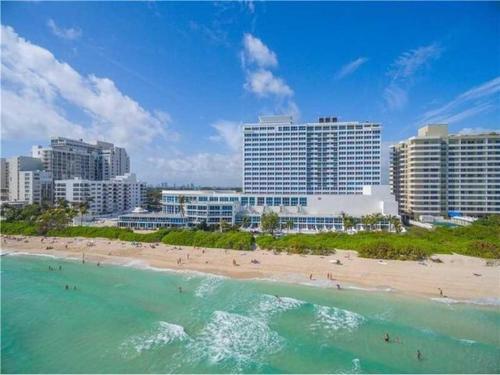 Castle Beach Club Apartments Miami Fl Booking
