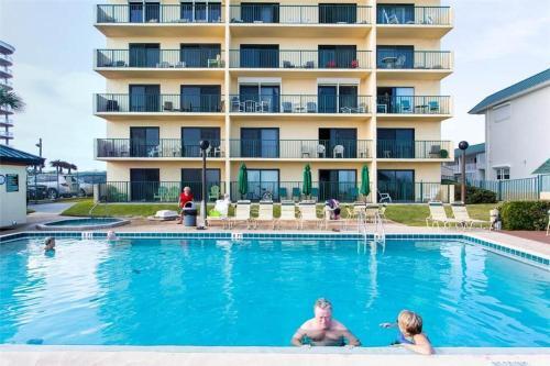 Sunglow Resort 204