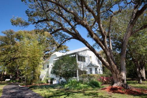 Farnsworth House Bed and Breakfast
