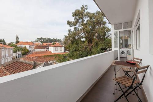 A balcony or terrace at Antunes Guimarães Apartment
