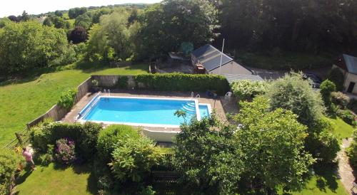 A view of the pool at Budleigh Farm Cottages or nearby