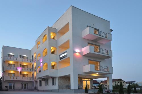 Mykonos Mamaia Boutique Villa