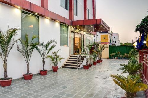 Treebo Corporate Suites Sector-62 NOIDA