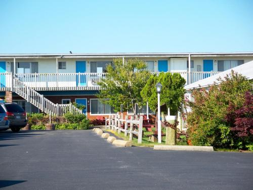 Blue Sea Motor Inn