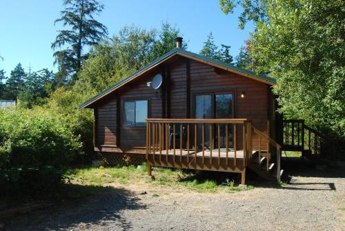 La Conner Camping Resort Deluxe Cabin 6