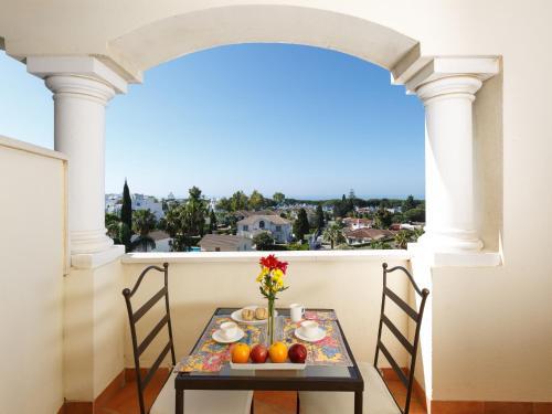 Apartamentos-Paal Guadalpin Marbella