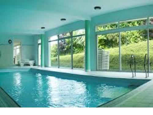 Der Swimmingpool an oder in der Nähe von Snounite