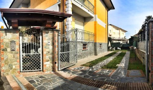 The facade or entrance of Casa Nina