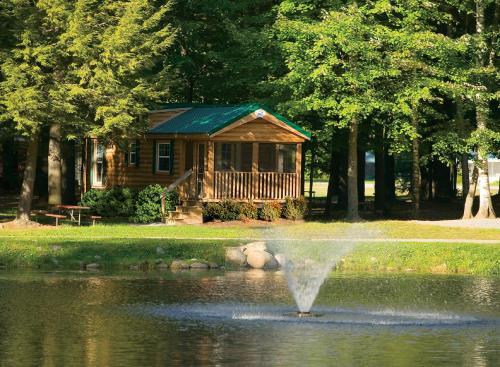 Alpine Lake Lakefront Cabin 5