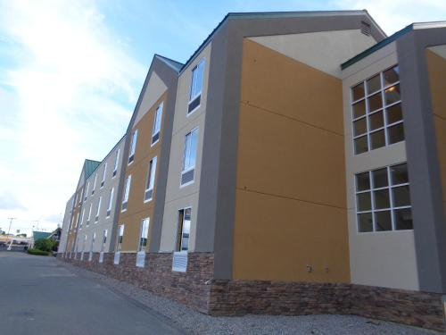 Baymont Inn & Suites Kingston Plymouth Bay
