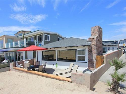 Seashore Drive (68270) Villa