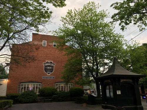 The Tunnicliff Inn