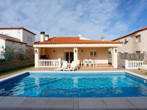 Holiday Home Casa Zefir