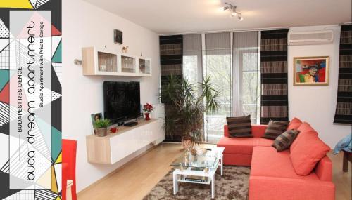 The lounge or bar area at Buda Dream studio