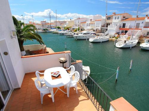 Holiday Home Port Rhodes 65