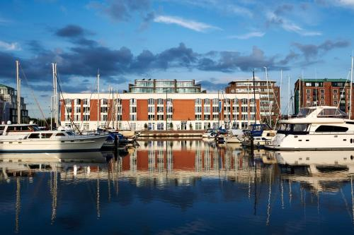 The 10 best apartments in bremerhaven germany for Design hotel bremerhaven