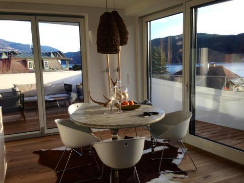 Lake-View Apartment in Carinthia
