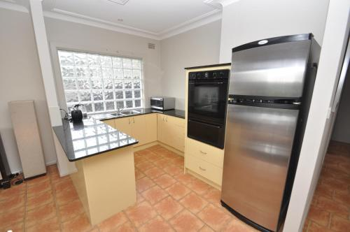 North Ryde Self-Contained Two-Bedroom Apartment (69MELB)