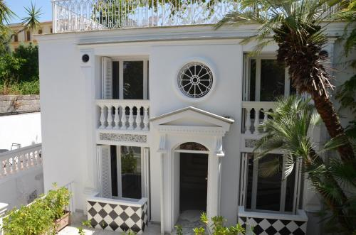 Muta House