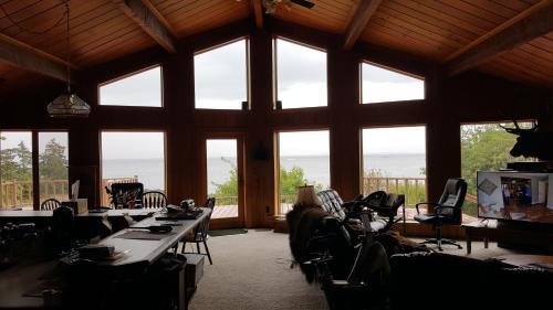 Alaskan Lodge and Retreat