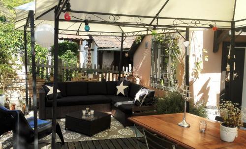 Lounge oder Bar in der Unterkunft Esprit du Monde