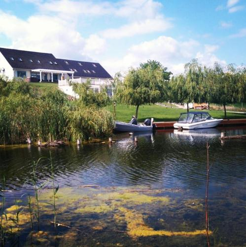 Pike Inn Dunavatul de Sus