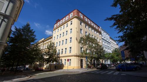 Gedung tempat aparthotel berlokasi