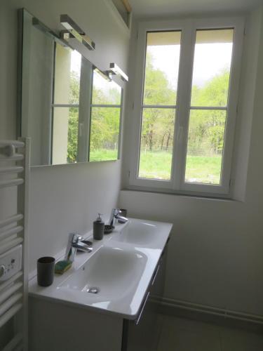 A bathroom at Les Brosses