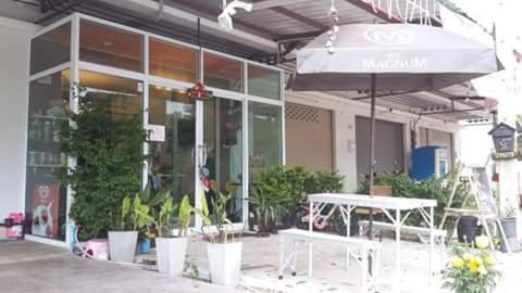 Lemon Tree Motel Surat Thani