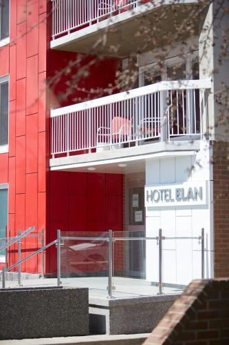Fasāde vai ieeja naktsmītnē Hotel Elan