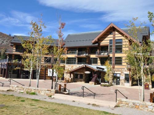 Base Village Luxury Apartment at Hayden Lodge
