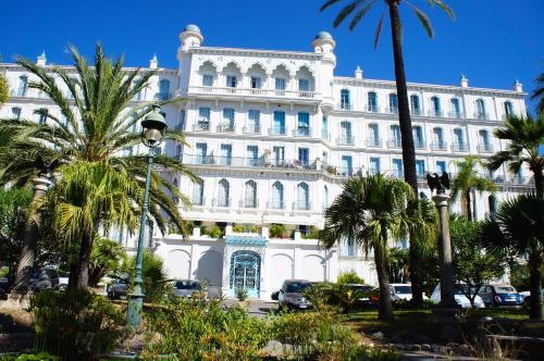 L'Orient Palace Apartments