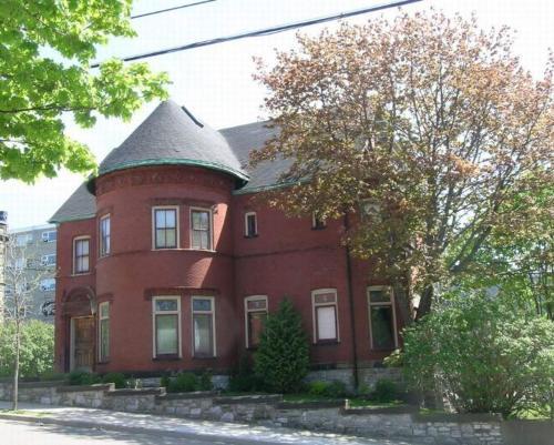 Chipman Hill Suites on Mecklenburg