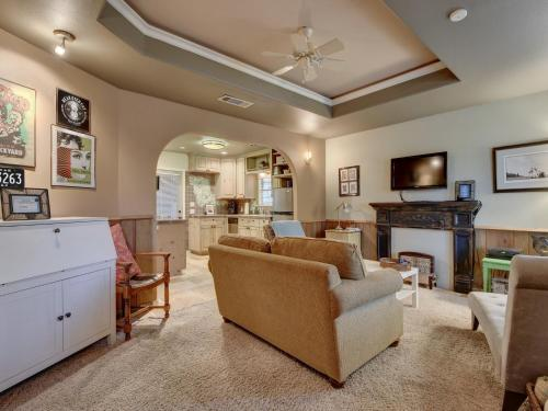 Two-Bedroom Clermont Home