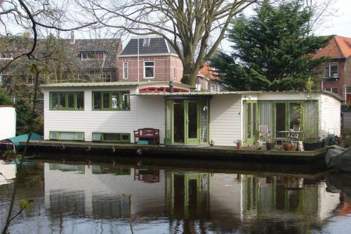Holiday home Woonboot Watergeus
