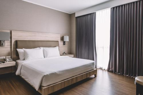 The Best Luxury Hotels In Bangkok Thailand Bookingcom - 8 awesome extras in luxury hotel rooms