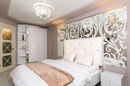 Two bedrooms apartment on 22 Tolstogo Street